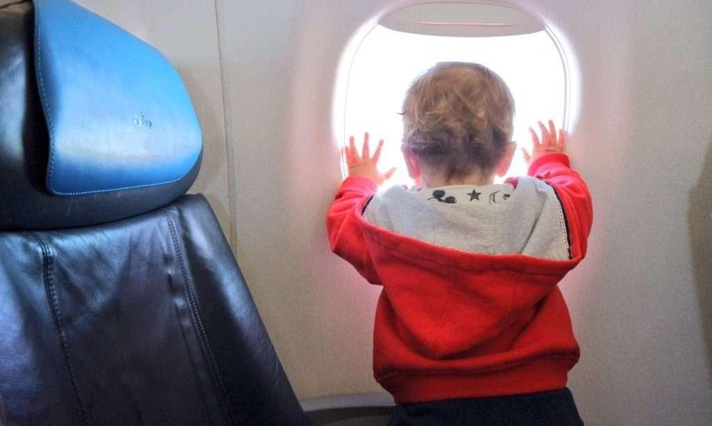 minorenni in aereo