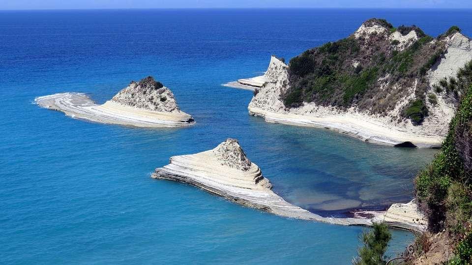 Scopri le migliori isole greche e come raggiungerle