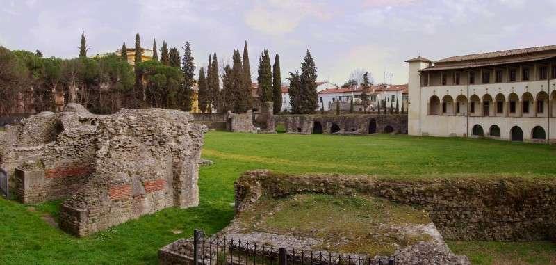 arezzo anfiteatro romano