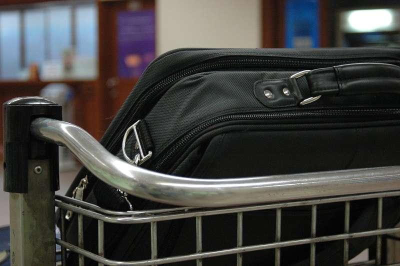 Cosa fare per ottenere il rimborso per il bagaglio danneggiato con Alba Star?