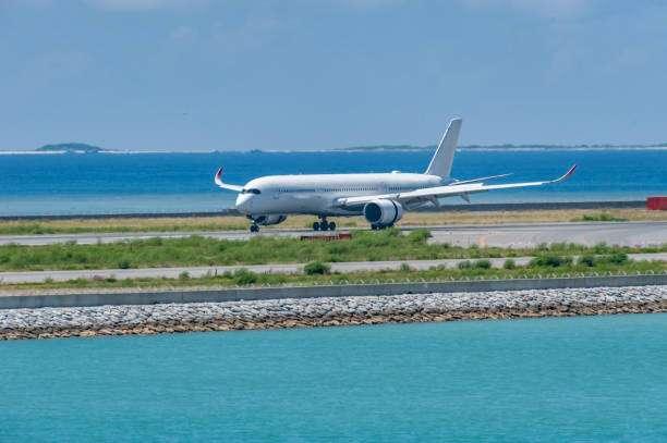 aeroporto di skiatos. Tutte le info utili per arrivare in aeroporto e raggiungere il centro dell'isola dall'aeroporto.