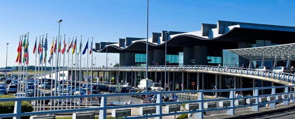Aeroporto di Bordeaux. Richiedi assistenza gratuita online