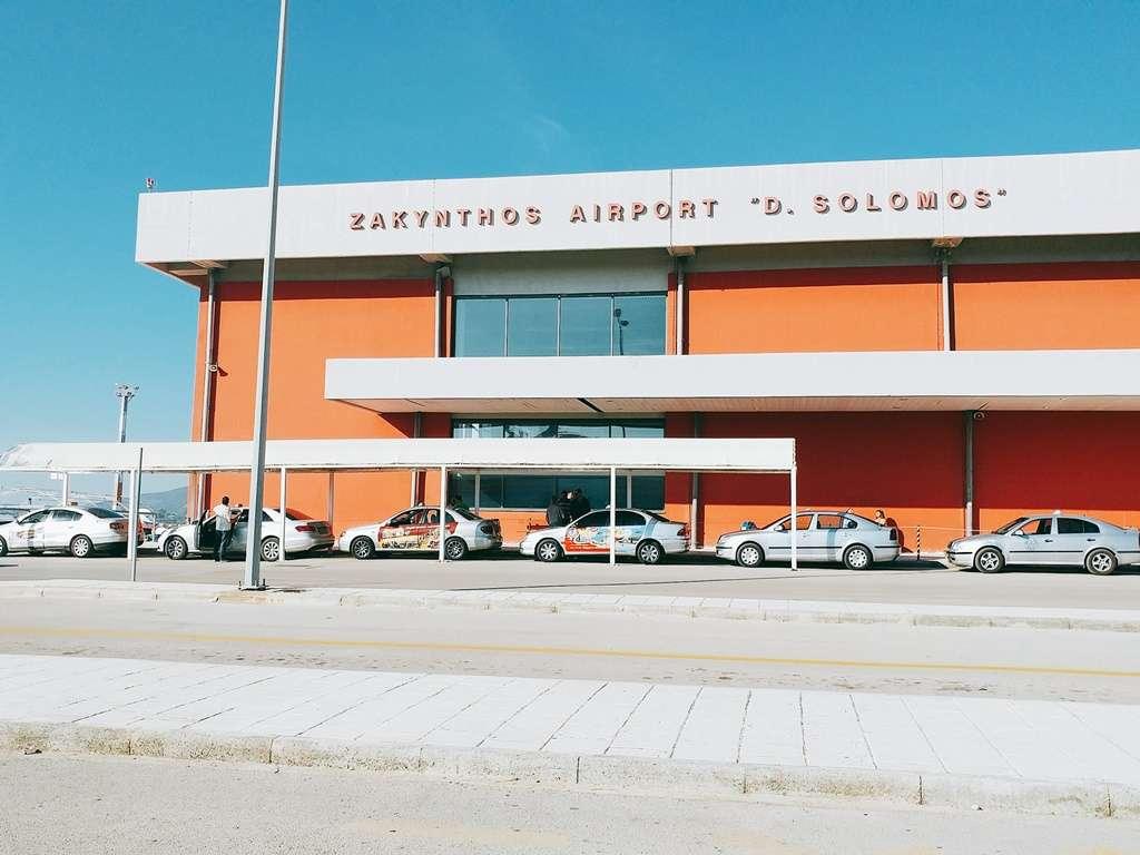 Aeroporto di zante. Richiedi la nostra assistenza gratuita online in caso di problemi con il vostro volo